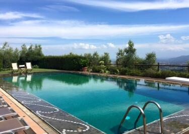 Il Borghino Retreat Centre - Salt Water Pool