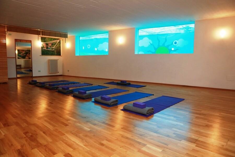 Il Borghino Yoga Room with MANDUKA quality yoga props
