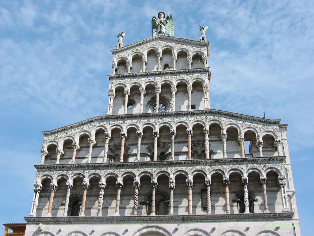 Yoga in Italy Excursion Lucca