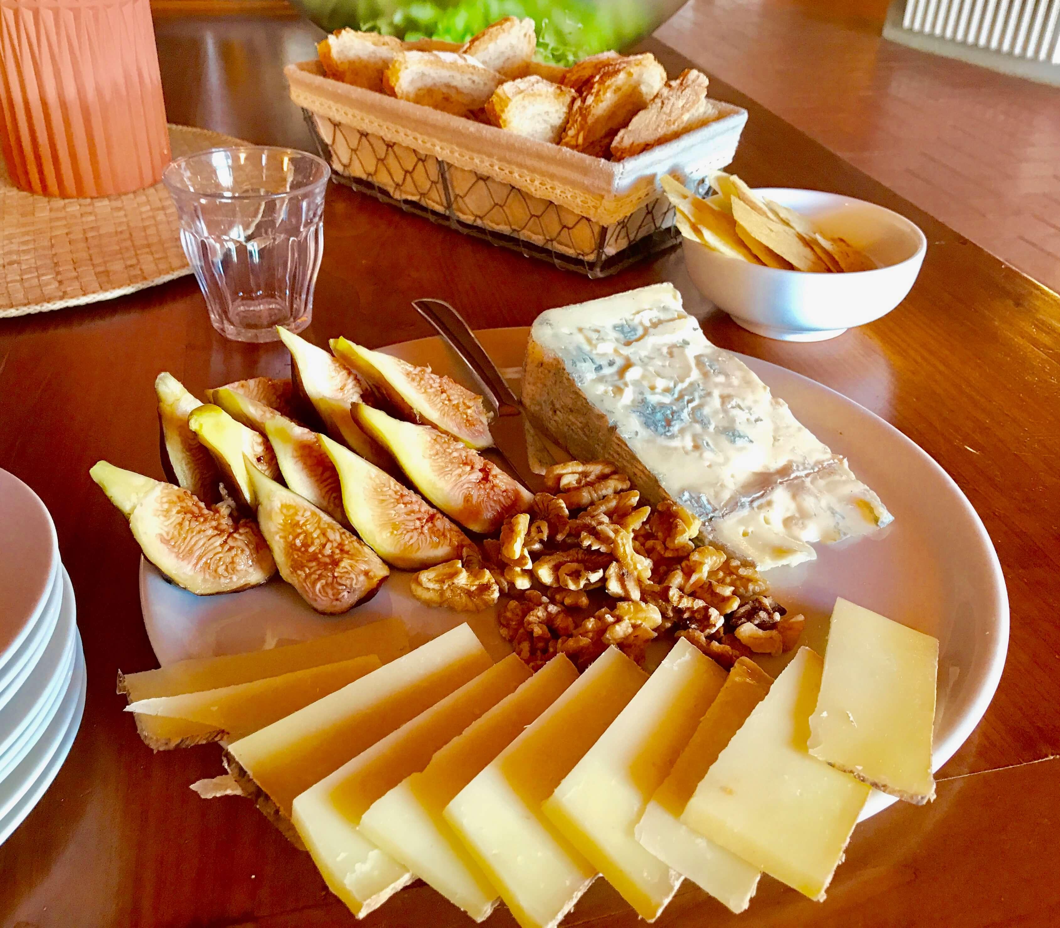 Yoga in Italy Cheese board with fresh pecorino, gorgonzola, sun-ripened figs and walnuts