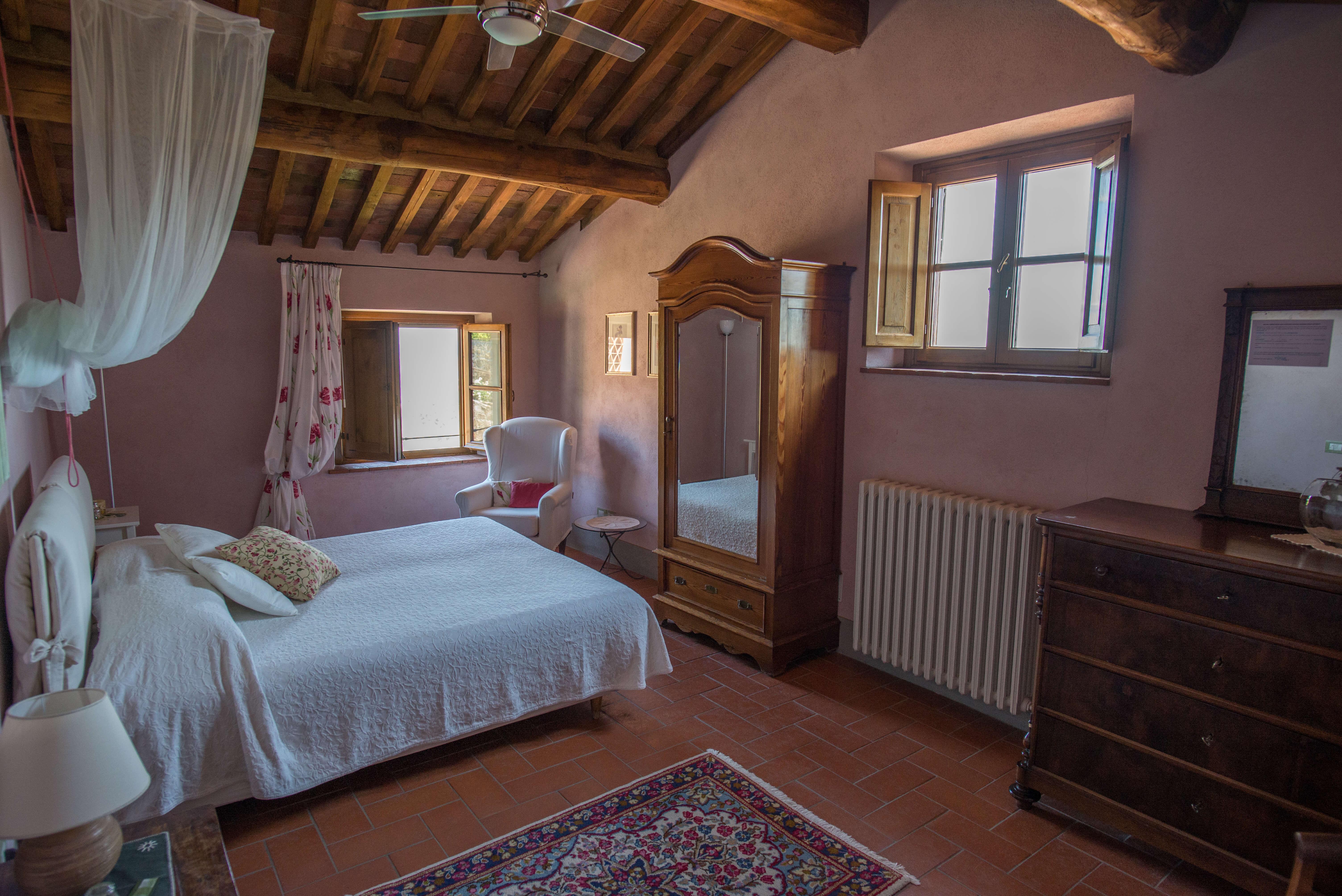 Il Borghino retreat centre room called I Nespoli - Rosa