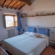 Il Borghino Retreat Centre - twin bed or double room in the house called Il Melograno - Azzurra. Yoga Retreat Italy